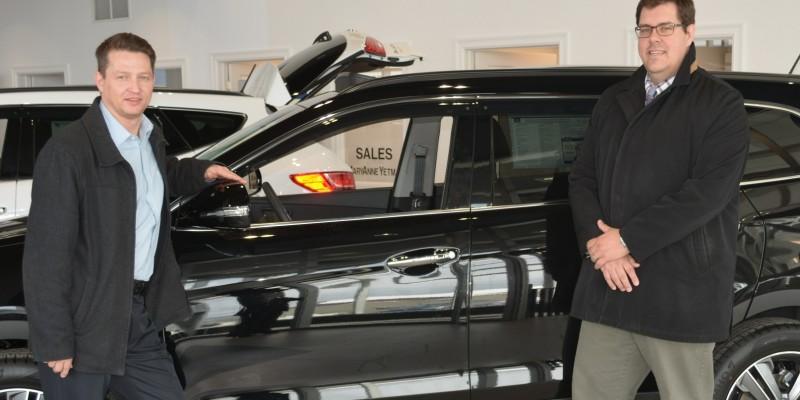 Ralph Eldridge, Director of Service Qalipu, with Dave Feaver, General Manager at Parkway Hyundai